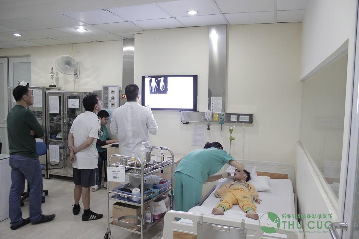 Phòng cấp cứu Bệnh viện Đa khoa Quốc tế Thu Cúc được trang bị những thiết bị y tế cơ động để xử lý tình huống tốt nhất