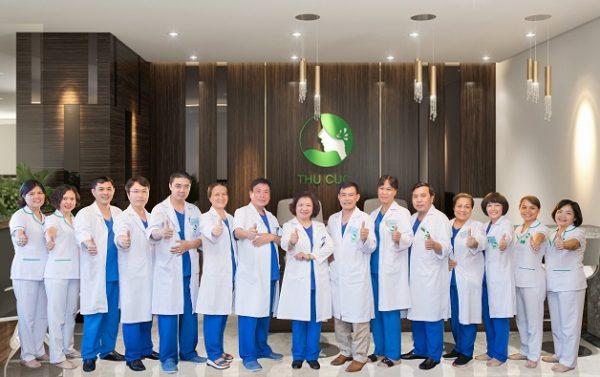 Hệ thống Y tế Thu Cúc quy tụ đội ngũ bác sĩ, nhân viên y tế giỏi chuyên môn, được đánh giá cao về chất lượng khám chữa bệnh.