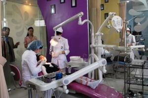 Với trang thiết bị hiện đại và đội ngũ bác sỹ, nha sỹ tay nghề cao, bệnh viện Thu Cúc luôn là địa chỉ tin cậy được nhiều khách hàng lựa chọn để thăm khám và điều trị các vấn đề về răng.
