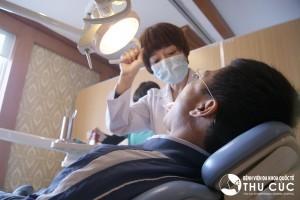 Thăm khám nha sỹ để được điều trị kịp thời, đúng cách là biện pháp tốt nhất để bảo đảm sức khỏe răng miệng.