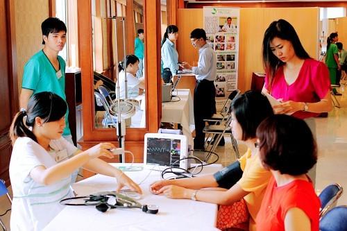 Bệnh viện Thu Cúc là đối tác tin cậy cua rnhieue fcow quan, doanh nghiệp trong việc chăm sóc sức khỏe định kì cho người lao động.