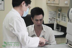 Để xác định được phương pháp điều trị hở van 2 lá thích hợp nhất với tình trạng bệnh của mình, bệnh nhân cần được thăm khám; chẩn đoán và chỉ định trực tiếp bởi các bác sỹ chuyên khoa tim mạch.