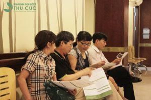 Rất nhiều người bệnh tin tưởng sử dụng và hài lòng với dịch vụ khám chữa bệnh theo bảo hiểm tại bệnh viện Thu Cúc.