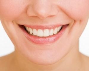 Hàm răng chắc khỏe sẽ cho bạn nụ cười tươi xinh, rạng rỡ và tự tin hơn trong cuộc sống...(ảnh minh họa).