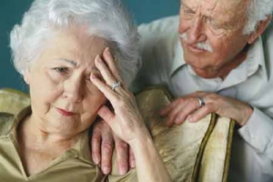Người già có nguy cơ cao mắc các bệnh lí tim mạch, đặc biệt là bệnh của hệ động mạch vành (ảnh minh họa).