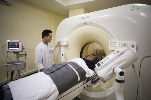 Với đội ngũ bác sỹ giàu kinh nghiệm và hệ thống trang thiết bị y tế hiện đại, các vấn đề về sức khỏe (bệnh lí) của khách hàng sẽ được chẩn đoán nhanh chóng với độ chính xác cao nhất.