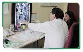 Tới gặp bác sỹ để được thăm khám, tư vấn và điều trị ngay khi phát hiện dấu hiệu bệnh là việc làm tốt nhất để bảo vệ sức khỏe của bạn.