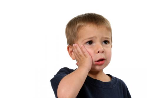 Sâu răng là bệnh răng miệng phổ biến ở trẻ nhỏ.