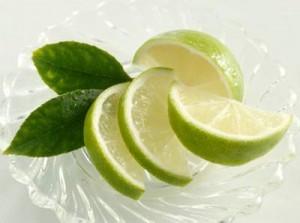 Chanh có nhiều tác dụng tốt đối với sức khỏe răng miệng.