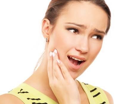 Sâu răng, viêm lợi cũng là vấn đề răng miệng thường gặp ở phụ nữ mang thai (ảnh minh họa).