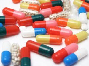 Dùng thuốc chữa bệnh suy tim là một phương pháp điều trị nội khoa thường được chỉ định. Tuy nhiên dùng thuốc gì và dùng như thế nào  thì bắt buộc phải có sự chỉ định và hướng dẫn của bác sỹ tim mạch (ảnh minh họa).