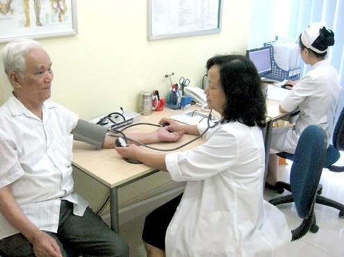 Người bệnh nên đi khám bác sỹ chuyên khoa để có những tư vấn và hỗ trợ kịp thời nhất (ảnh minh họa).