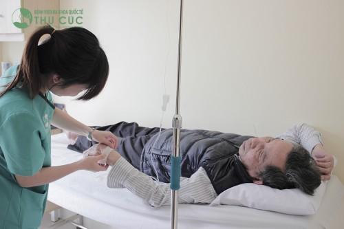 Tại bệnh viện Thu Cúc, chúng tôi luôn sẵn sàng cấp cứu, hỗ trợ dành lại sự sống cho người bệnh 24/24 (ảnh minh họa).