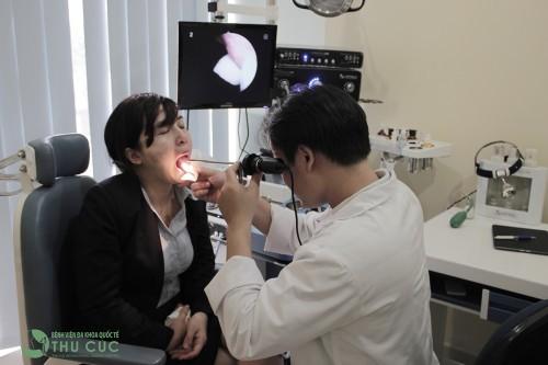Người bệnh nên đi khám bác sỹ chuyên khoa để được chẩn đoán chính xác tình trạng bệnh và có phương pháp điều trị thích hợp, hiệu quả nhất.