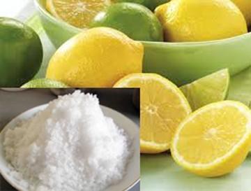 """Hỗn hợp chanh tươi và muối cũng là """"bài thuốc""""tự nhiên chữa viêm họng."""