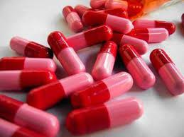 Người bệnh tuyệt đối không tự ý sử dụng thuốc kháng sinh chữa viêm họng để tránh các biến chứng nguy hiểm.