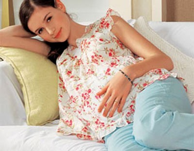 Phụ nữ mang thai nên chủ động theo dõi sức khỏe để hạn chế các biến chứng của bệnh tim trong thai kì.
