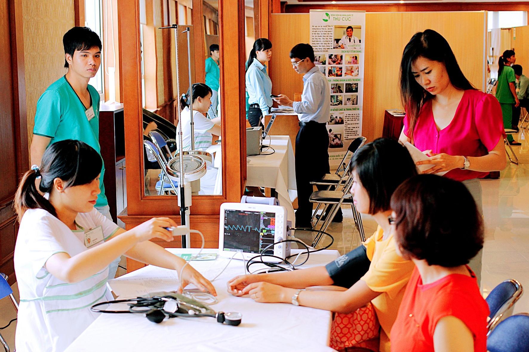 Khám sức khỏe định kỳ cho nhân viên khách sạn