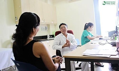 Người bệnh nên chủ động đi khám bác sỹ chuyên khoa để được thăm khám, điều trị triệt để và an toàn nhất.