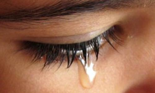 Chảy nước mắt sống là căn bệnh thường găp trong các bệnh lý nhãn khoa