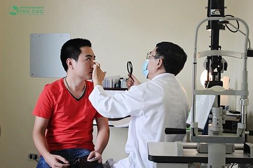 Khám bệnh mắt tại bệnh viện đa khoa quốc tế Thu Cúc.