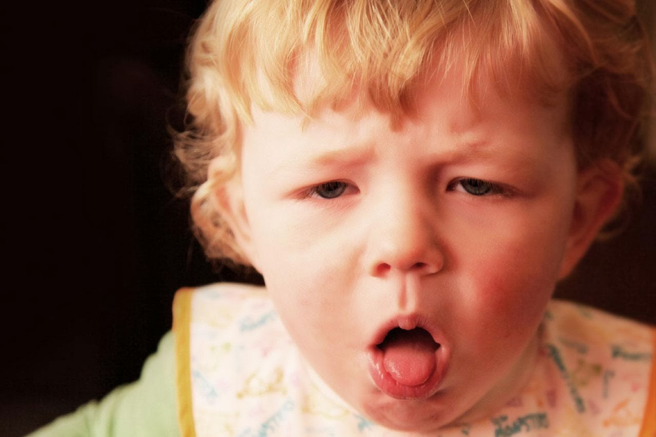 Điều trị dứt điểm khi trẻ bị viêm họng để tránh biến chứng sang viêm tai (ảnh minh họa)