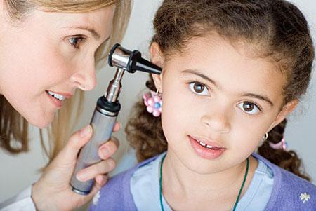 Chữa viêm tai giữa ở trẻ