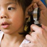 Chữa viêm tai giữa ở trẻ nhỏ