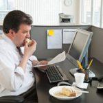 Dân văn phòng đối mặt nguy cơ bệnh tim mạch