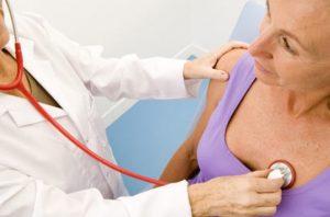 Người bị nhồi máu cơ tim cần được đưa đến cơ sở y tế càng sớm càng tốt