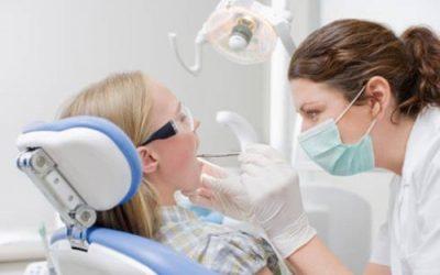 Lấy cao răng có bị nhiễm HIV không?