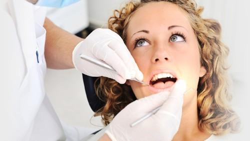 Đau răng buốt lên đầu