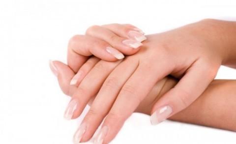 Phát hiện triệu chứng sớm và điều trị kịp thời là cách chăm sóc và bảo vệ móng tay khỏi nấm tốt nhất.