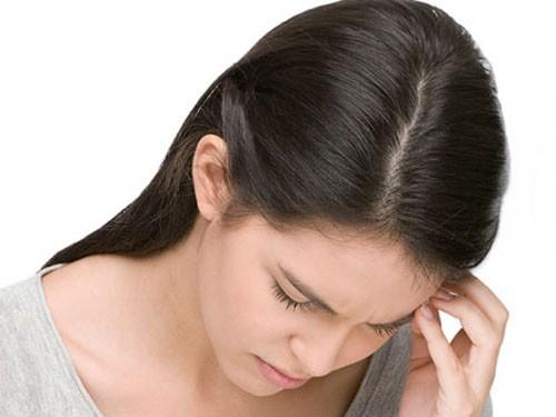 đau đầu rụng tóc điều trị như thế nào