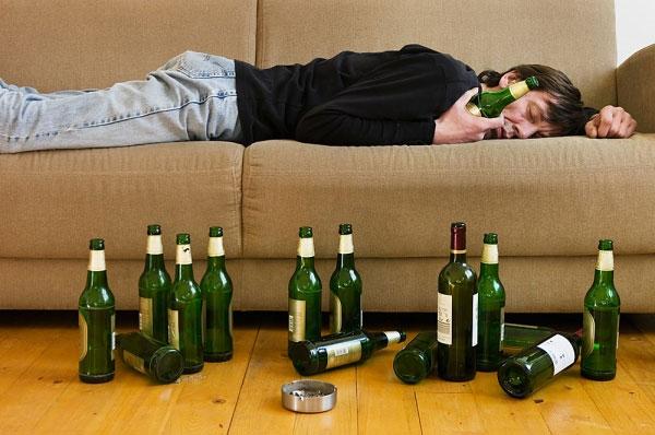Người nghiện bia rượu có nguy cơ mắc gan nhiễm mỡ cao hơn người bình thường