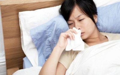 Đau ngực buồn nôn trước kỳ kinh có nguy hiểm không?