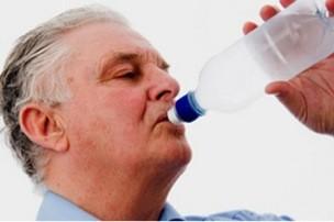 Uống nhiều nước bảo vệ sức khỏe tốt hơn