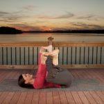 5 động tác yoga giúp chữa đau lưng khi ngồi lâu