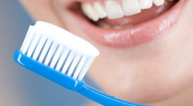 Thay bàn chải đánh răng mới để tránh vi khuẩn trú gây bệnh ở bàn chải