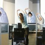 Dân văn phòng – cẩn trọng với chứng đau lưng