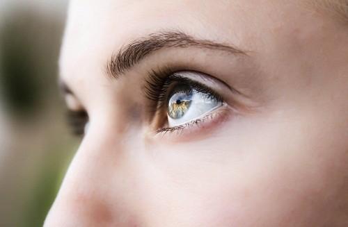 Biến chứng bệnh đau mắt đỏ do dị ứng thường không nghiêm trọng.