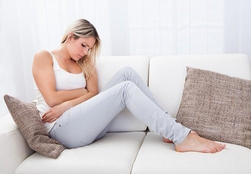 Triệu chứng điển hình của viêm ruột thừa là đau bụng.