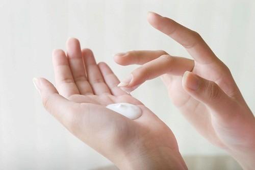 Kem corticosteroid có thể được sử dụng trong điều trị bệnh lupus ban đỏ hệ thống mức độ nhẹ.