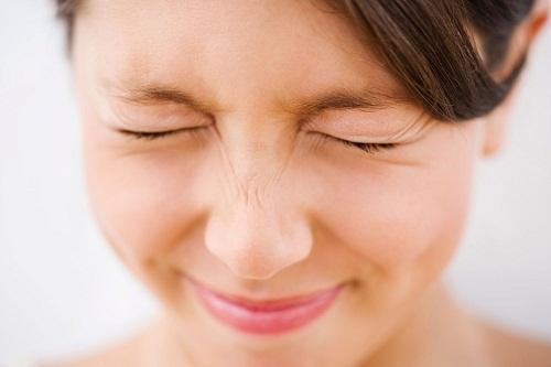 Đặc biệt với người làm máy tính,chỉ đơn giản là chú ý chớp mắt nhiều hơn cũng sẽ làm giảm nguy cơ bị bệnh khô mắt.