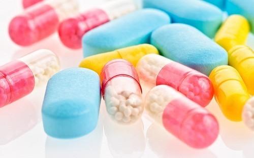 Bác sĩ có thể kê đơn thuốc giảm đau đường uống.
