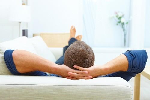 Người bệnh nên dành thời gian nghỉ ngơi ở nơi yên tĩnh.