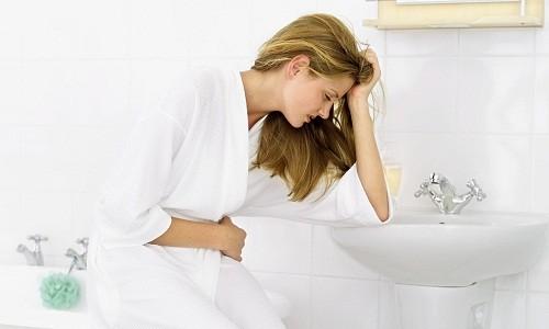Các dấu hiệu và triệu chứng của viêm đường tiết niệu thường gặp là đau khi đi tiểu, đi tiểu nhiều lần, nước tiểu đục và đôi khi có mùi hôi.