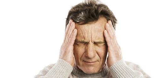 """Các triệu chứng bao gồm """"sương mù não"""", trầm cảm, thiếu kiểm soát sự tức giận, kém tập trung... xảy ra khi rối loạn chức năng gan ảnh hưởng tới não."""