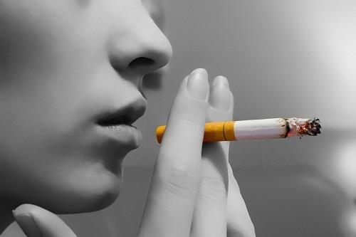 Nếu bạn hút thuốc, bạn có nguy cơ cao phát triển bệnh viêm khớp dạng thấp.