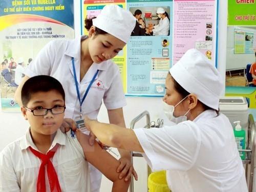 Các điểm tiêm chủng dịch vụ đã triển khai tiêm chủng mở rộng miễn phí cho trẻ.